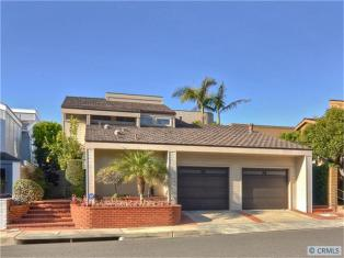 Sold Backs to the Ocean and Sunset Views 3800 sqft Gourmet Kitchen 4 bedrooms 5 bathrooms